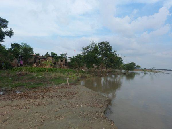 नवगछिया : मैरचा में फिर चार घर नदी में समाये