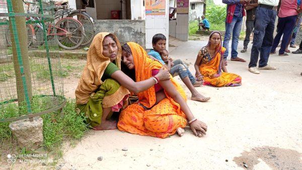 नवगछिया : विक्रमशिला सेतु पर अज्ञात ट्रक के धक्के से मोटरसाइकिल पर सवार दंपत्ति की मौत