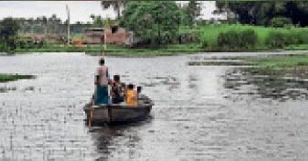 खरीक : कोसी पार लोकमानपुर और सिहकुंड में बाढ़ की स्थिति काफी भयावह